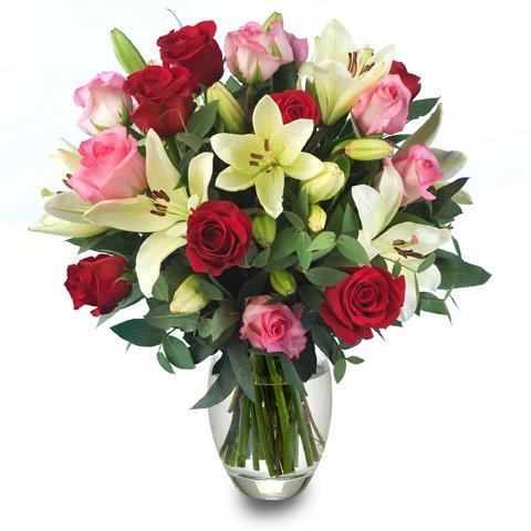 Un Toque Perfecto: rosas y lirios